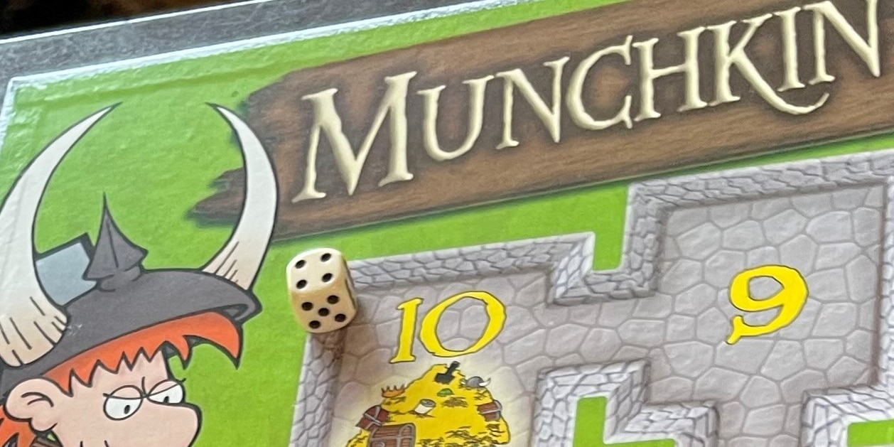 """Why """"Munchkin"""" is my FAVORITE Card Game of All Time"""